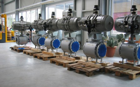 Ball valves 12 inch cl300, metal seated, R&P pneumatic actuators, fast closing 2 sec , China refinery service
